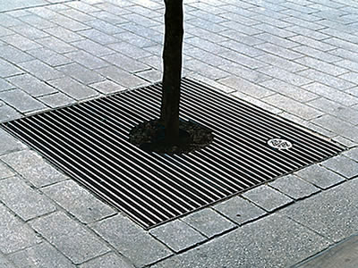 Clyde Tree Grate